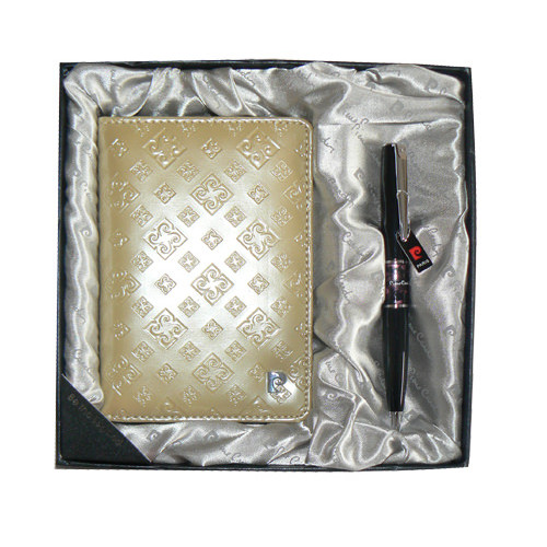 Набор: Обложка для паспорта и ручка. Ручка шариковая, латунь+лак, акрил, хром. Цвет золотой.